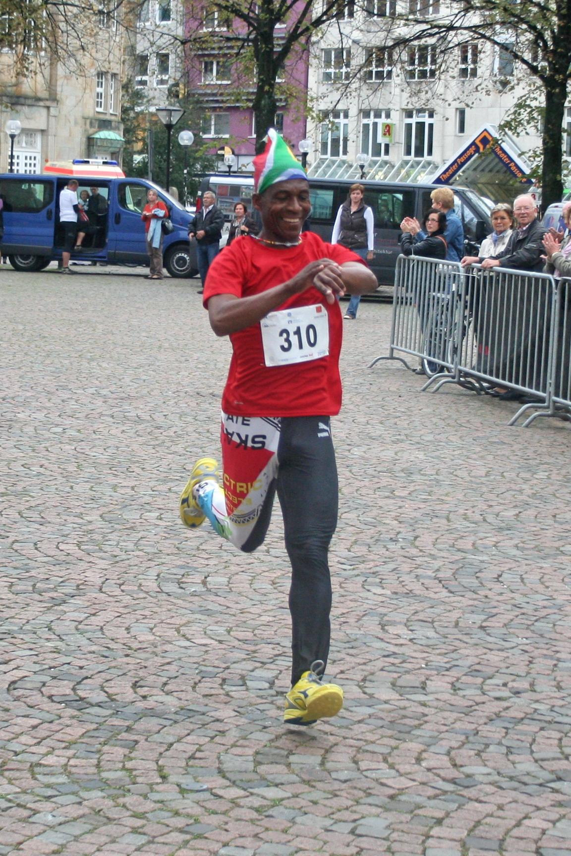 2011-09-17-handwerkerlauf-zieleinlauf-josia-2